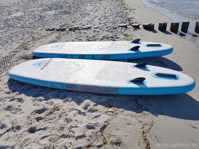 Kitesurfen und Windsurfen auf dem Darß